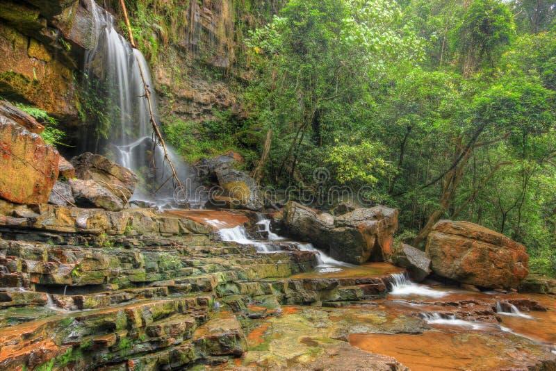 Seri Mahkota Endau Rompin Pahang vattenfall, Malaysia arkivbild