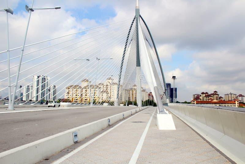 Seri Wawasan Bridge en Putrajaya, Malasia foto de archivo