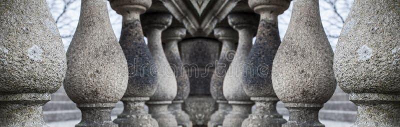 Serie av granitkolonner royaltyfri foto