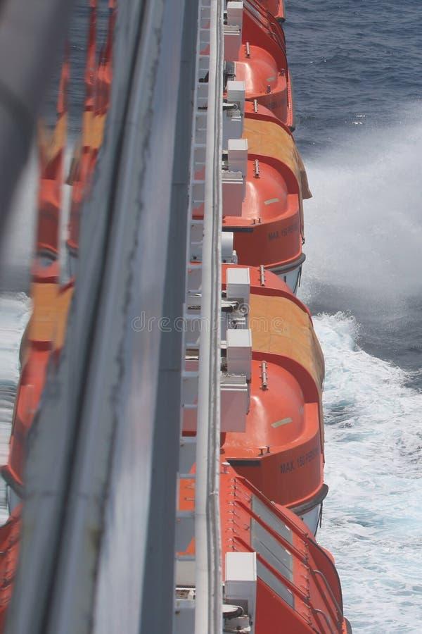 Serie av livfartyg royaltyfri bild