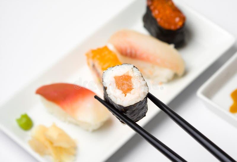 Serie del sushi - shakemaki imagenes de archivo