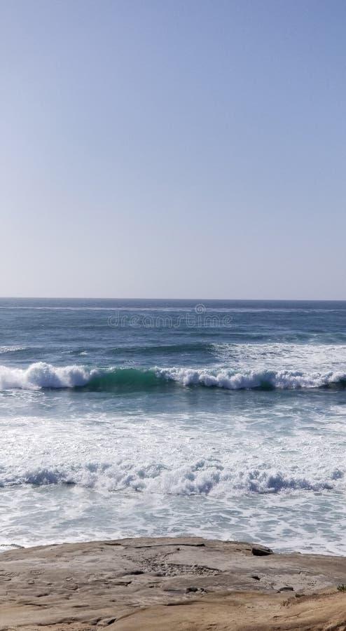 Serie della spiaggia - onde di oceano Pacifico immagini stock libere da diritti
