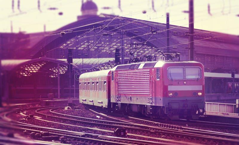 Serie, die Station (Digital-, verlässt Zusammensetzung) lizenzfreie stockfotos