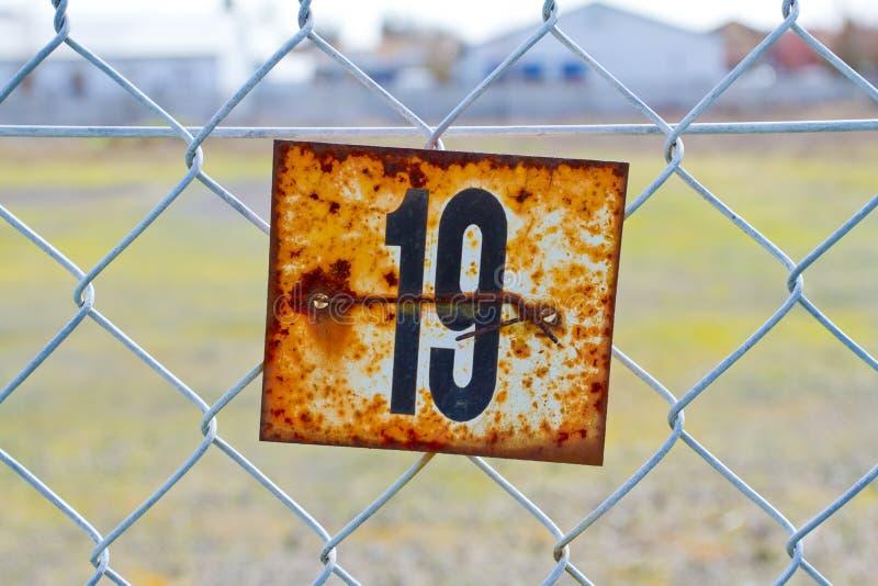 Liczby 19 Rdzewiejący znak obrazy royalty free