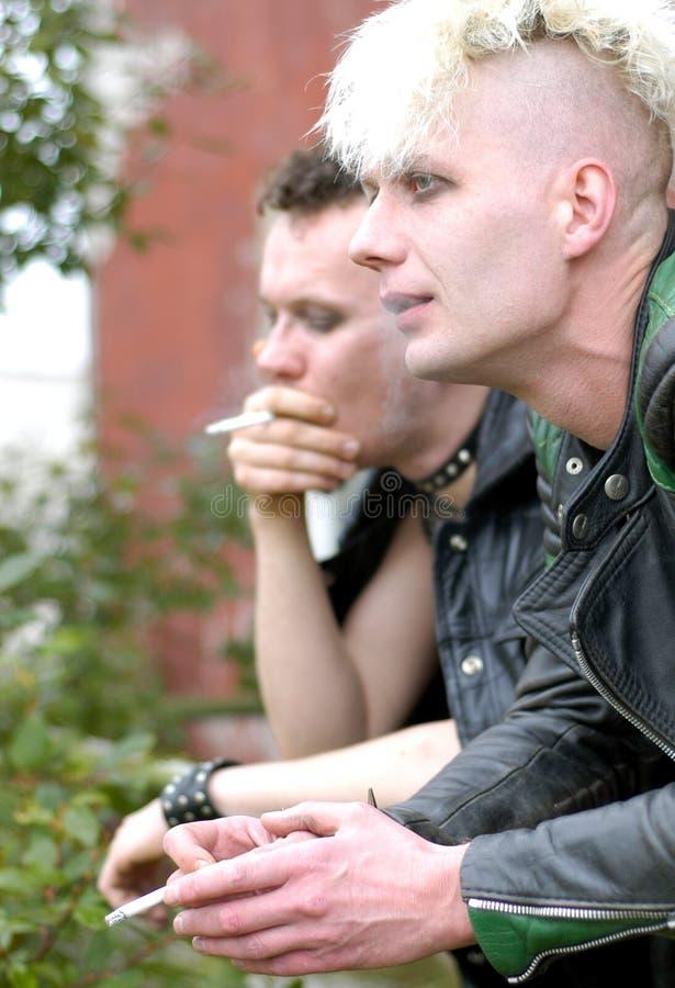 Download Serie som röker vii arkivfoto. Bild av punks, rökning, gotiskt - 237308