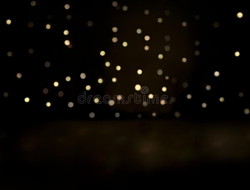 Seriella ljus som glöder i mörk bakgrund royaltyfri bild
