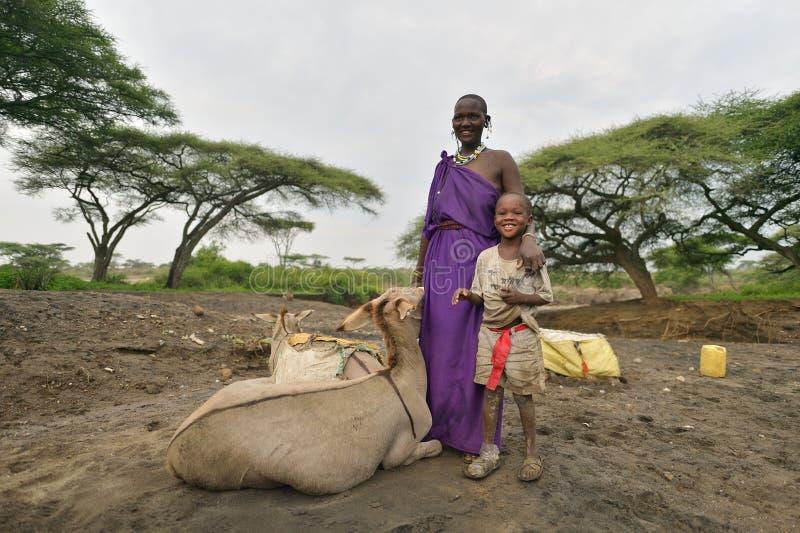 Seronera, Tanzanie, le 12 février 2016 : Jour ouvrable de Maasai photographie stock