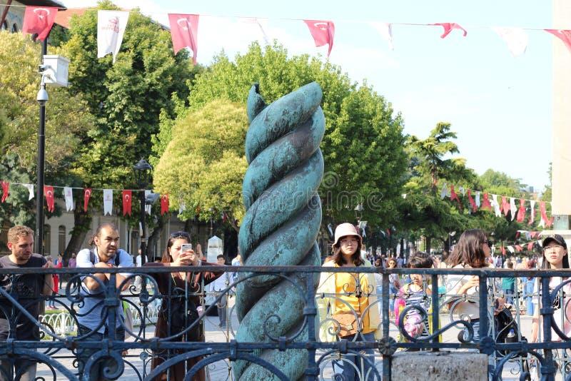Serpent Column är en gammal brons-kolumn på Hippodrome i Konstantinopel royaltyfri foto