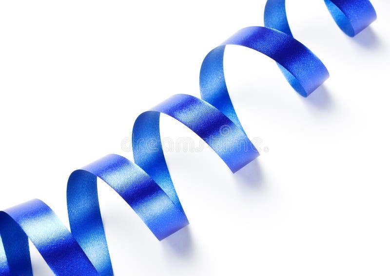 Serpentina de la cinta azul imagen de archivo
