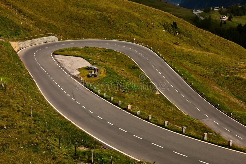 Serpentina del camino. fotografía de archivo