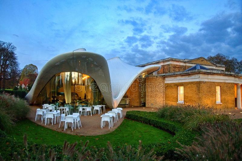 Serpentine Sackler Gallery Restaurant - Londres fotografia de stock