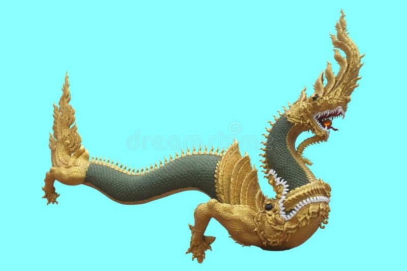Serpentkoning of koning van nagastandbeeld in Thaise die tempel op blauwe achtergrond wordt geïsoleerd royalty-vrije stock afbeelding