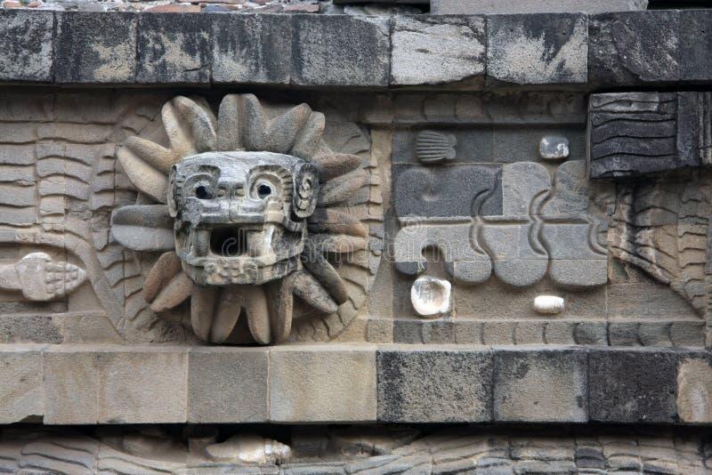 Serpiente emplumada en el templo de Quetzalcoatl, Teotihuacan fotos de archivo libres de regalías