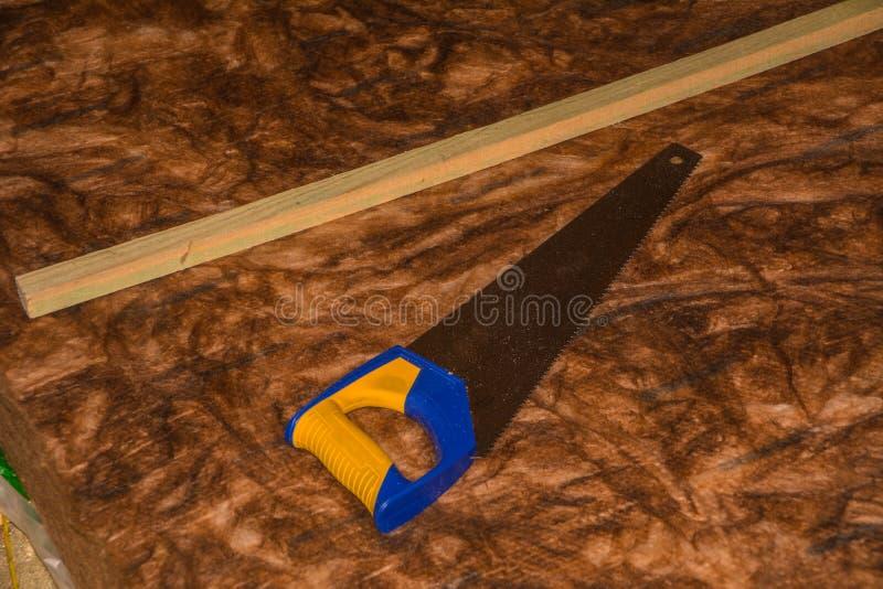 Serra com lãs da isolação térmica fotografia de stock royalty free