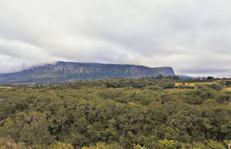 Serra da Canastra är bästa bekant för dess flera vattenfall och att inkludera arkivbild