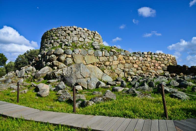 Serra Orrios Nuragic Village megalítica antiga em Sardinia, Itália fotos de stock royalty free
