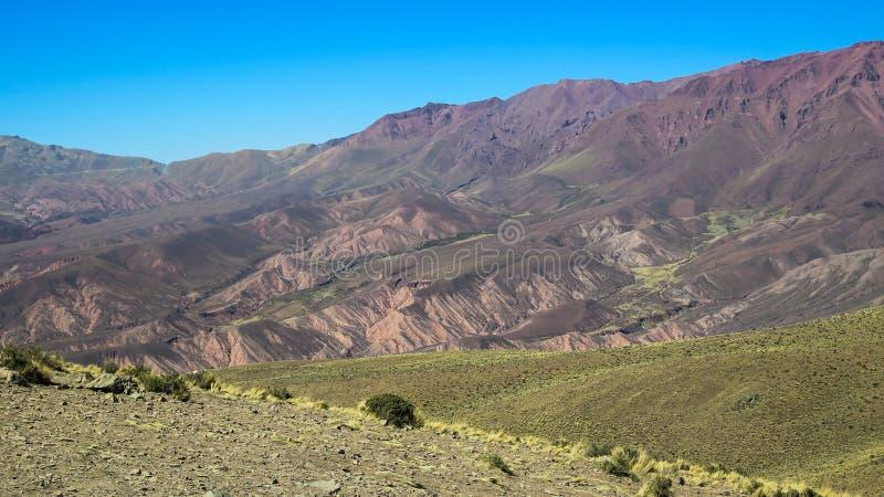 Serrania DE hornocal in humahuaca stock foto's