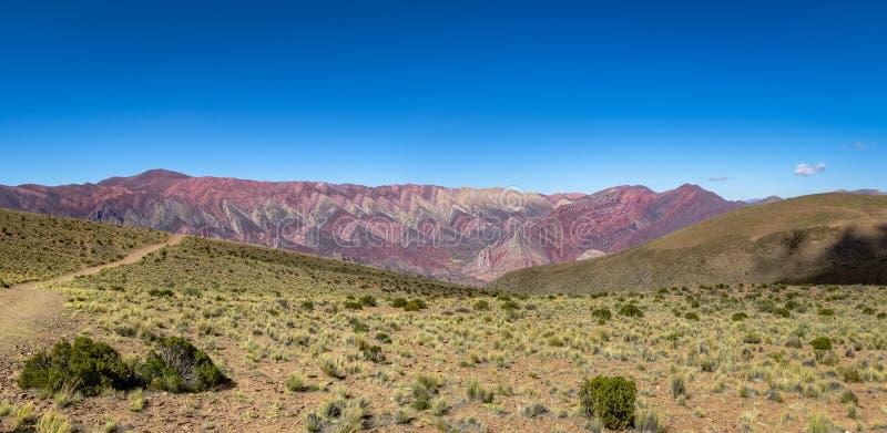 Serrania de Hornocal, les quatorze collines de couleurs chez Quebrada de Humahuaca - Humahuaca, Jujuy, Argentine images stock
