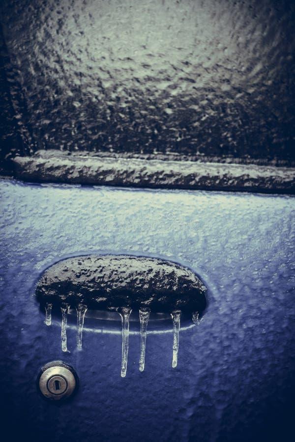 Serratura di porta congelata automobile immagine stock libera da diritti