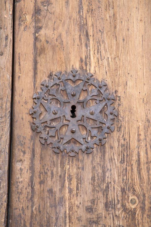 Serratura di porta della chiesa, Pollenca, Maiorca fotografia stock libera da diritti