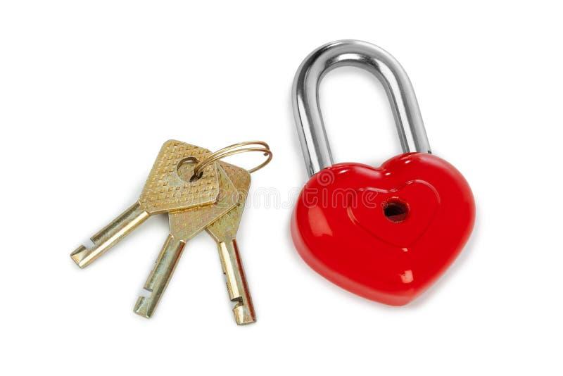 Serratura a forma di e chiavi del cuore immagine stock