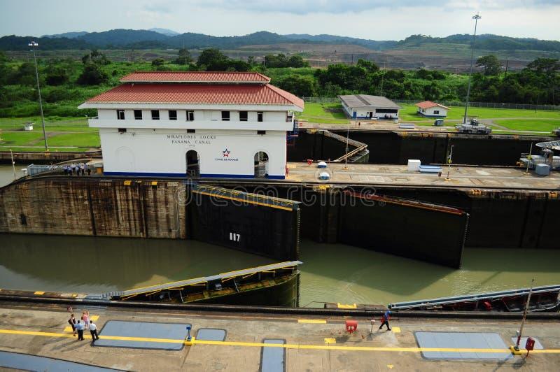 Serrature di Gatun del canale di Panama fotografie stock