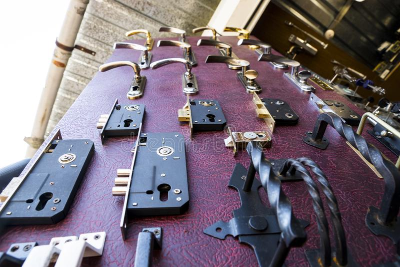 Serrature di porta del metallo fotografie stock