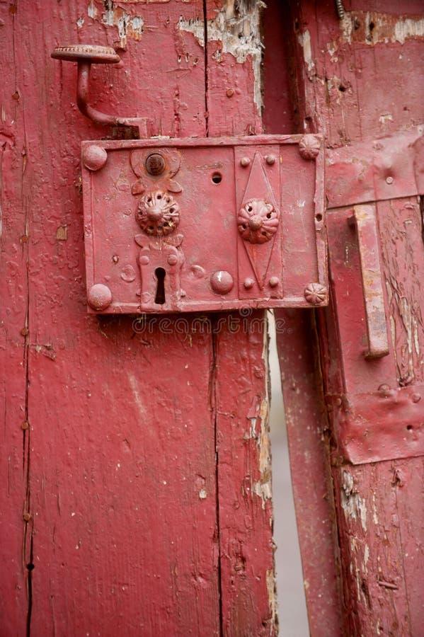 Serrure de porte très vieille photo stock