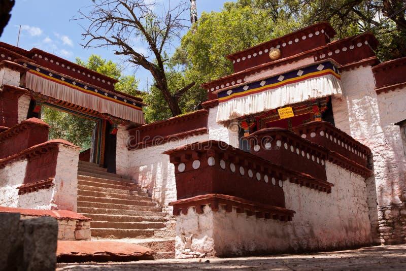 Serum-Kloster in Lhasa stockbilder