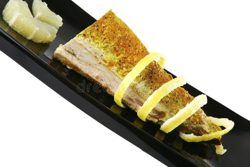 Served tuna with lemon