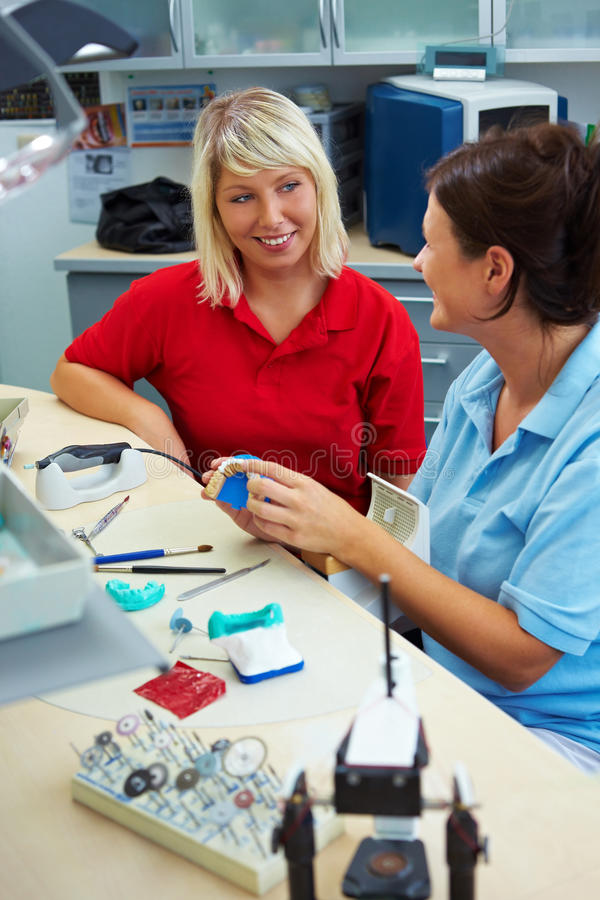 Serviço de atenção a o cliente na odontologia fotos de stock royalty free