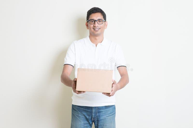 Serviço de entrega do pacote foto de stock