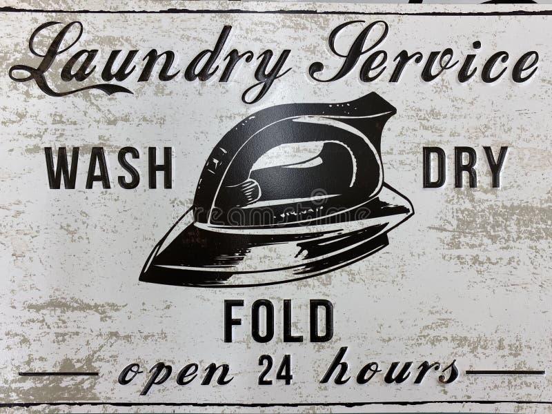 Serviço de lavanderia 24 horas Serviço de lavagem a seco imagem de stock royalty free