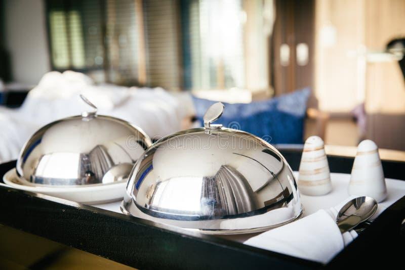 Serviço de sala delicioso Pequeno almoço foto de stock royalty free