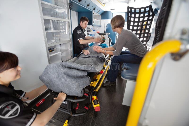 Serviço de transporte da emergência fotos de stock