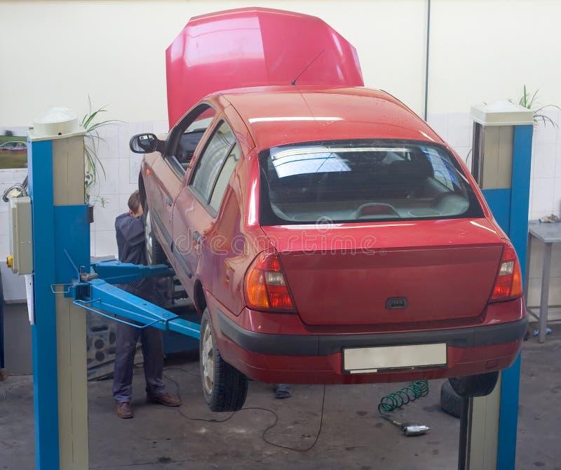 Serviço do vermelho do carro imagens de stock