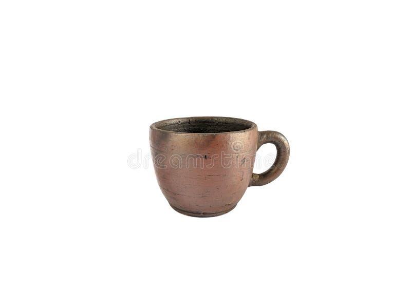 Service à thé traditionnel fait à partir de l'argile, tasses de poterie d'isolement sur le fond blanc photographie stock libre de droits