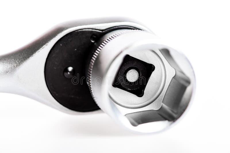 Servicio con integridad Llave de socket aislada en el fondo blanco Sistema de herramientas aisladas en el fondo blanco cromo foto de archivo libre de regalías