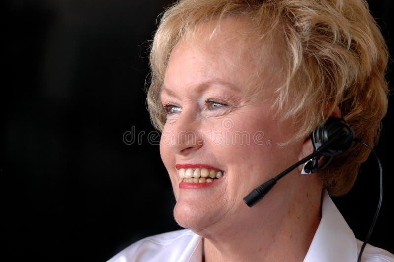 Servicio de atención al cliente mayor de la mujer   fotografía de archivo