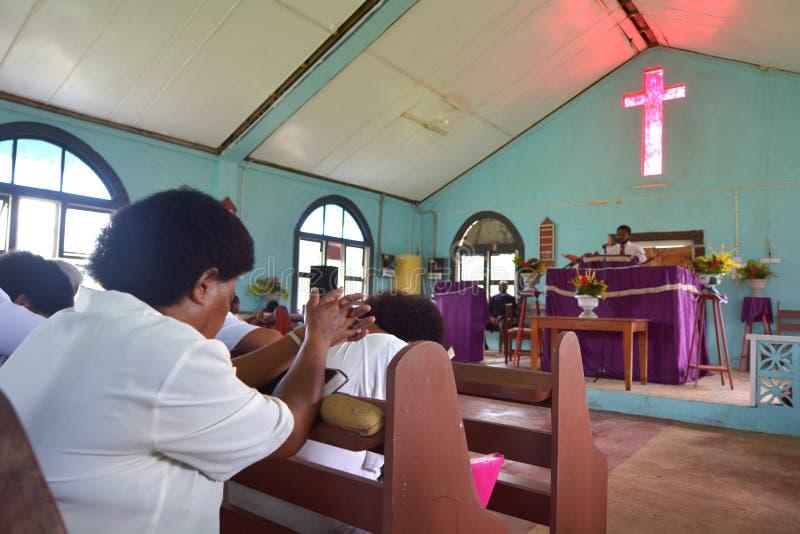 Servicio de domingo en iglesia metodista en Fiji fotografía de archivo