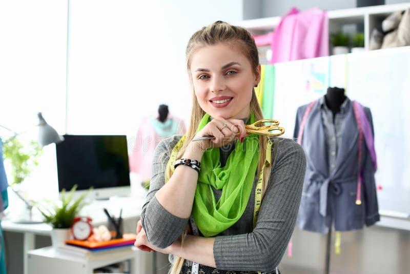 Servicio de Needling de la moda del concepto del negocio de Tailoing imagen de archivo libre de regalías
