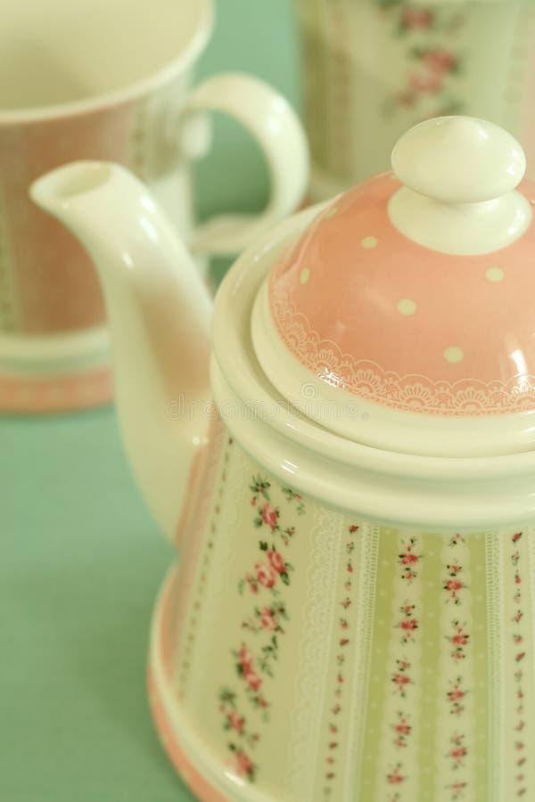 Servicio de té hermoso con el ornamento. imagen de archivo