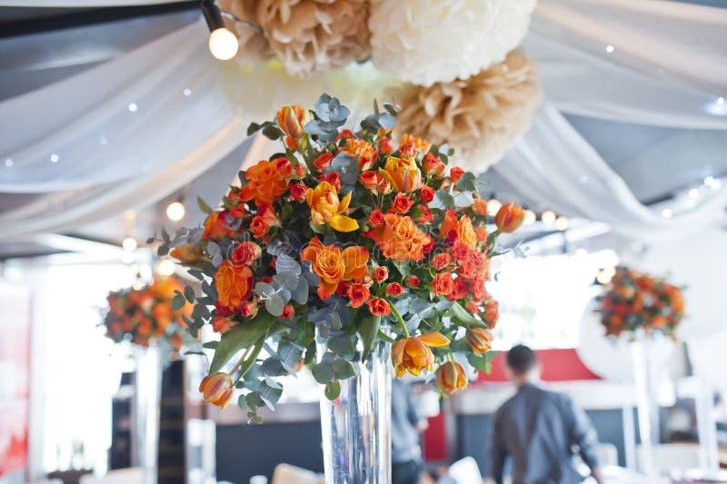 Servicio en la boda lujosa de la recepción fotografía de archivo