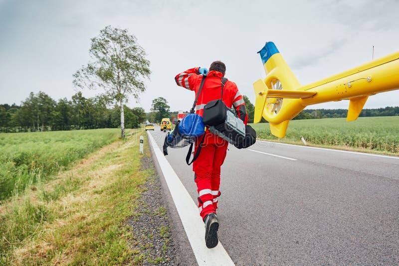 Servicio médico de la emergencia del helicóptero imágenes de archivo libres de regalías