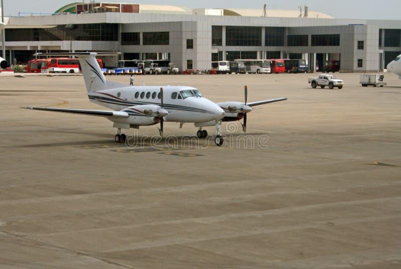 Servicios modernos del aeropuerto y de la infraestructura imagen de archivo