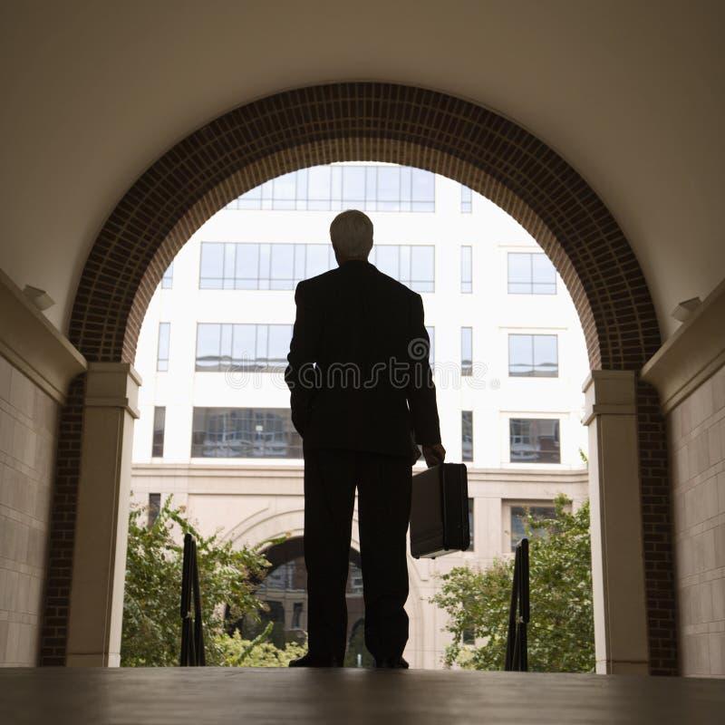 Serviette de fixation d'homme d'affaires. photos stock