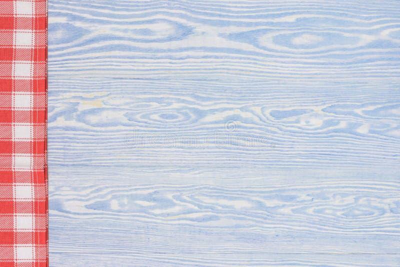Serviette verte au-dessus de table de cuisine en bois Vue de ci-dessus avec l'espace de copie photographie stock
