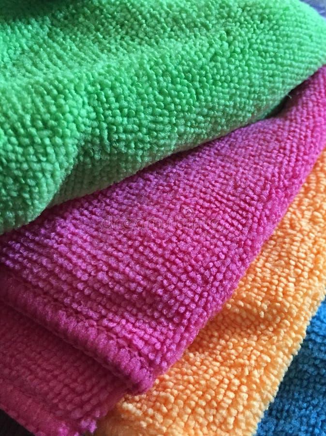 Serviettes colorées images libres de droits