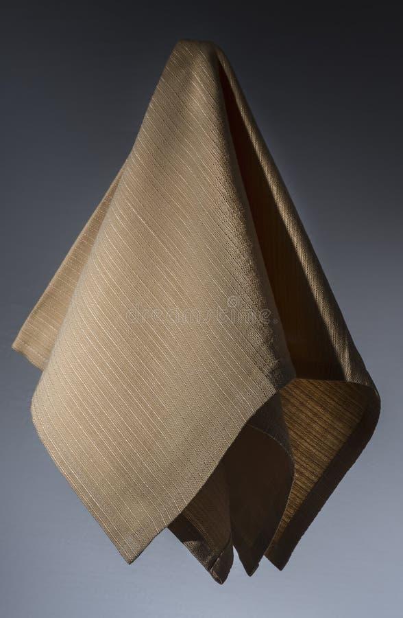 Servilleta amarilla del algodón para arriba en el aire fotos de archivo libres de regalías