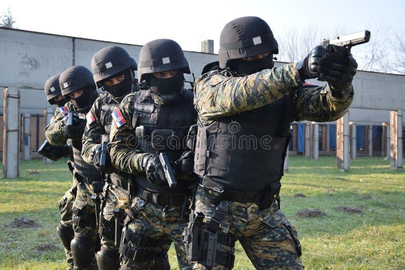 Servische Gendarmerieexploitanten royalty-vrije stock afbeeldingen